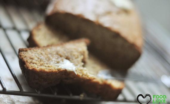 banana bread \ foodlovetog.com